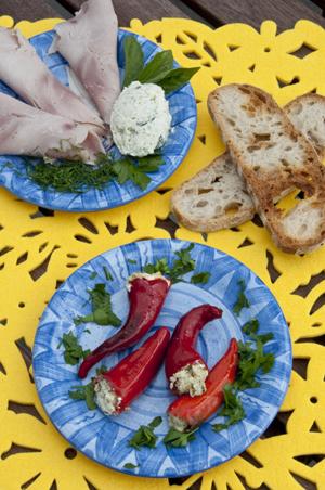 Pikantne papryczki z białym serem