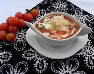 Pomidorowa z lanymi kluskami